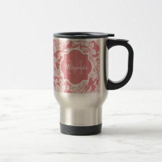 Monograma femenino floral rosa claro bonito con taza térmica