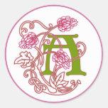 Monograma floral A de Nouveau del arte Etiquetas Redondas