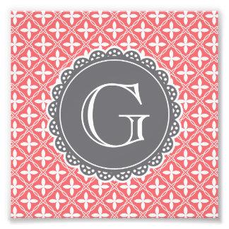 Monograma floral coralino del gris del modelo del fotografía