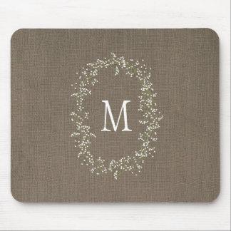 Monograma floral de la arpillera del vintage mouse pads