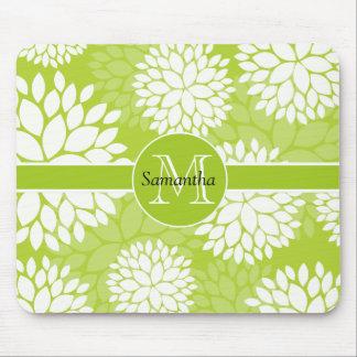 Monograma floral de la verde lima alfombrillas de ratón