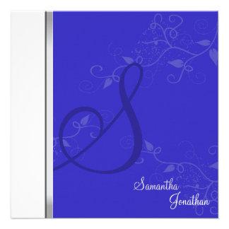 Monograma floral del azul real de la invitación de