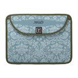 Monograma floral del verde azul del nouveau del ar funda para macbooks