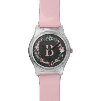 Monograma floral delicado del personalizado de la  relojes