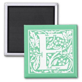 """Monograma floral """"E """" Imán Cuadrado"""