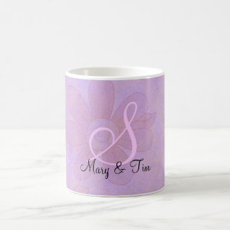Monograma floral púrpura del Esplendor: Taza de