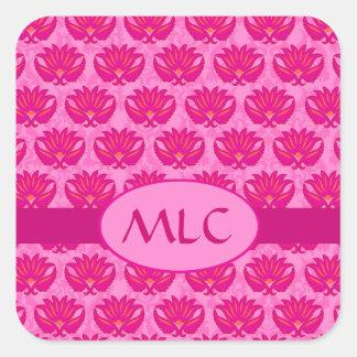 Monograma fucsia y rosado del damasco de Nouveau Pegatina Cuadrada