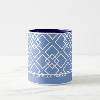 Monograma geométrico blanco azul del modelo taza