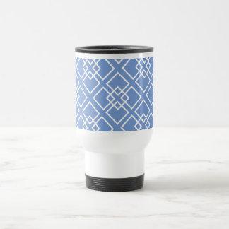 Monograma geométrico blanco azul del modelo tazas de café
