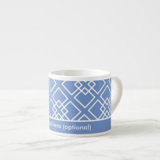 Monograma geométrico blanco azul del modelo tazas espresso