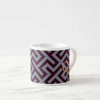 Monograma geométrico dominante griego gris moderno taza espresso