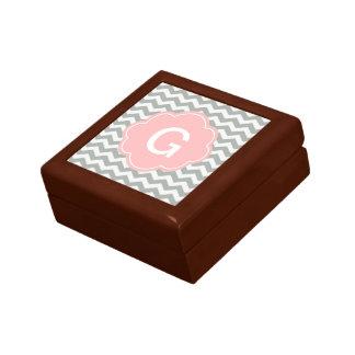 Monograma gris elegante, moderno y clásico del gal cajas de recuerdo