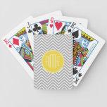 Monograma gris y amarillo del personalizado de los baraja cartas de poker