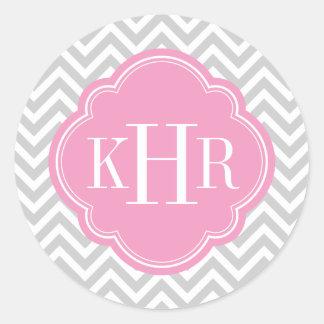 Monograma gris y rosado del personalizado de pegatina redonda