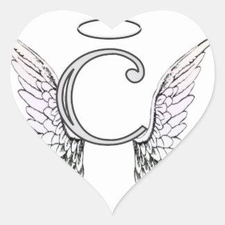 Monograma inicial de la letra C con las alas y Pegatina En Forma De Corazón