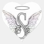 Monograma inicial de la letra S con las alas y Pegatina En Forma De Corazón