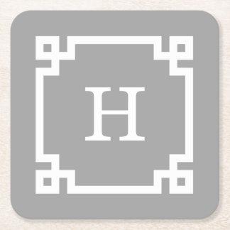 Monograma inicial dominante griego blanco gris posavasos de cartón cuadrado