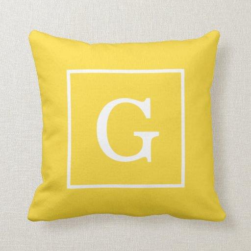 Monograma inicial enmarcado blanco amarillo de la  almohadas