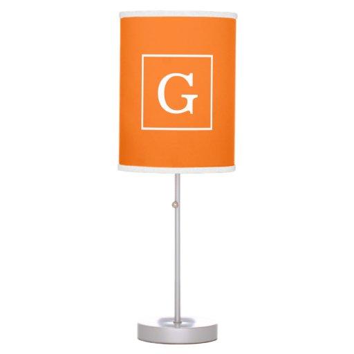 Monograma inicial enmarcado blanco anaranjado de