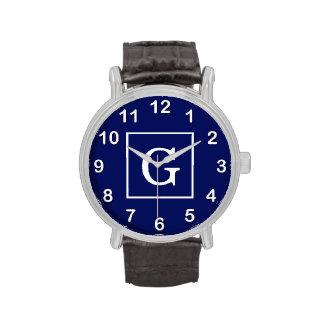 Monograma inicial enmarcado blanco de los azules m relojes de pulsera