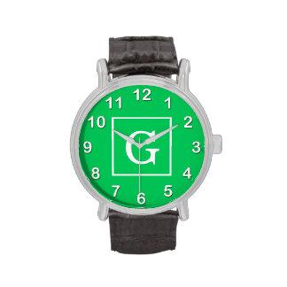 Monograma inicial enmarcado blanco del verde esmer relojes de mano