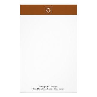 Monograma inicial enmarcado blanco marrón papeleria