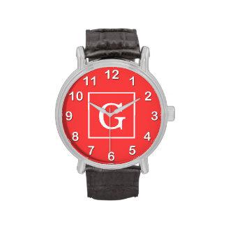 Monograma inicial enmarcado blanco rojo coralino relojes de pulsera