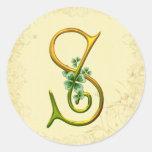 Monograma irlandés S del oro Pegatina Redonda