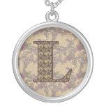 Monograma L inicial collar floral elegante