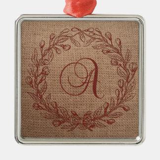 Monograma lindo de la arpillera una guirnalda adorno navideño cuadrado de metal