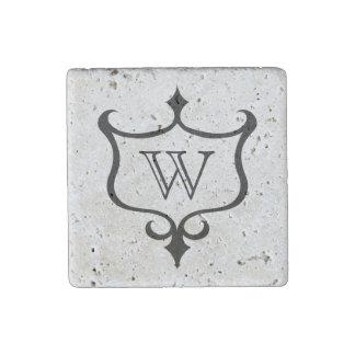 Monograma medieval gótico personalizado del escudo imán de piedra