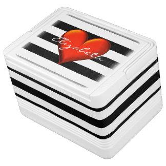 Monograma metálico rojo del corazón de la raya hielera igloo