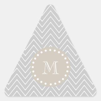 Monograma moderno gris y beige del personalizado calcomanías trianguloes personalizadas
