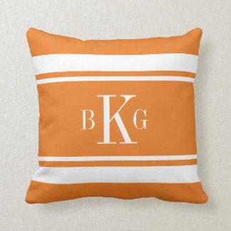 Monograma náutico blanco anaranjado del almohada