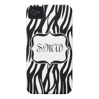 Monograma negro/blanco enrrollado de la cebra Case-Mate iPhone 4 carcasas
