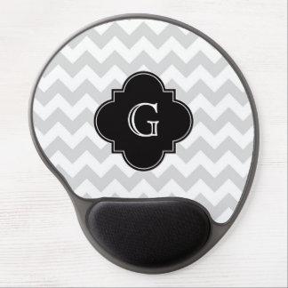 Monograma negro blanco gris claro de Chevron Alfombrilla De Raton Con Gel