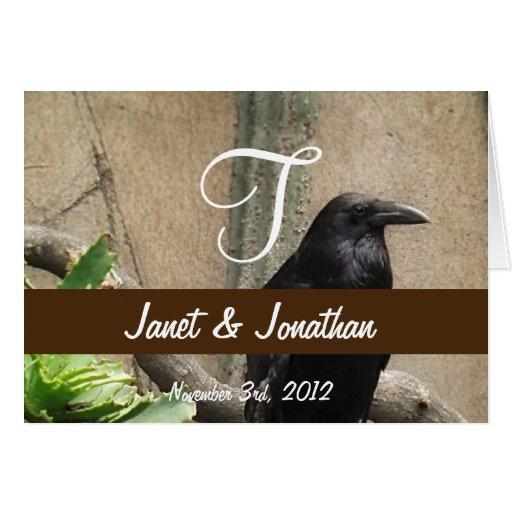 Monograma negro del cuervo tarjeta de felicitación