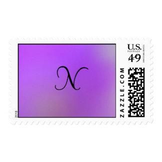 Monograma negro en violeta sellos