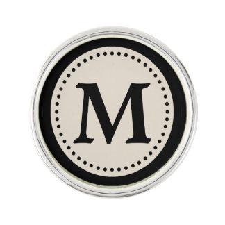 Monograma negro gris caliente ligero pin
