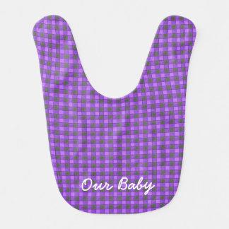 Monograma negro violeta púrpura del babero del