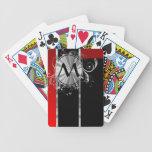 Monograma negro y de plata rojo baraja cartas de poker