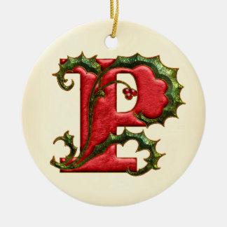 Monograma P del acebo del navidad Ornamento Para Arbol De Navidad