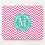 Monograma personalizado zigzag rosado femenino de  tapetes de ratones
