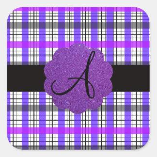 Monograma púrpura de la tela escocesa pegatina cuadrada