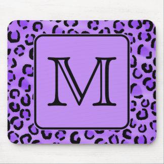 Monograma púrpura del personalizado del estampado  alfombrillas de ratón