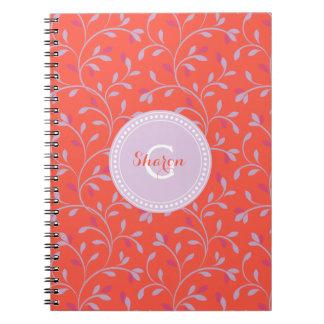 Monograma púrpura en colores pastel femenino lindo cuaderno