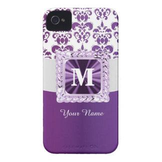 Monograma púrpura y blanco del damasco iPhone 4 Case-Mate cárcasa
