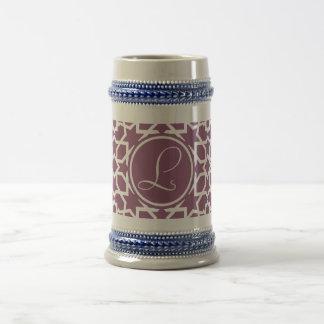Monograma púrpura y mosaico geométrico de arabesco jarra de cerveza