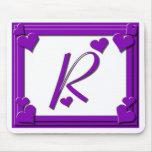 Monograma R de los corazones púrpuras Alfombrilla De Ratón