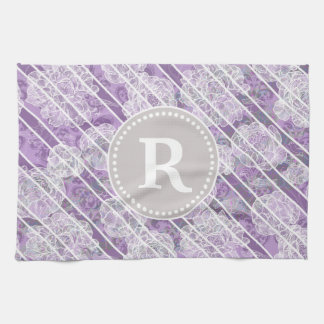 Monograma rayado floral púrpura toalla de mano